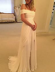 cheap -Sheath / Column Wedding Dresses Off Shoulder Sweep / Brush Train Chiffon Short Sleeve Beach with Ruched Ruffles Draping 2021