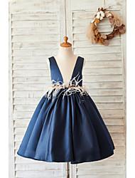cheap -Ball Gown Knee Length Wedding / Birthday Flower Girl Dresses - Satin Sleeveless V Neck with Feathers / Fur / Beading
