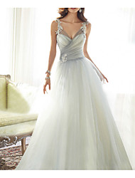cheap -Ball Gown White Engagement Formal Evening Dress V Neck Sleeveless Court Train Polyester with Ruched Appliques 2020