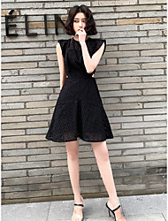 cheap -A-Line Little Black Dress Cut Out Homecoming Cocktail Party Dress Jewel Neck Sleeveless Short / Mini Lace with Lace Insert 2021