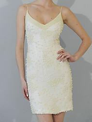 cheap -Sheath / Column Wedding Dresses V Neck Short / Mini Satin Sleeveless Vintage Little White Dress with Pearls 2021
