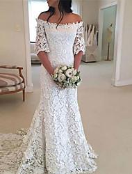 cheap -Sheath / Column Wedding Dresses Off Shoulder Court Train Lace Half Sleeve Romantic with Appliques 2021