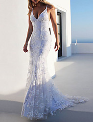 cheap -Mermaid / Trumpet Wedding Dresses V Neck Sweep / Brush Train Lace Spaghetti Strap Casual Backless with Appliques 2021