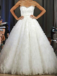 cheap -Ball Gown Wedding Dresses Sweetheart Neckline Sweep / Brush Train Lace Tulle Sleeveless Formal Luxurious with Pleats Beading 2021