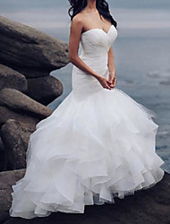 cheap -Mermaid / Trumpet Wedding Dresses Strapless Sweep / Brush Train Organza Tulle Sleeveless Country Sexy with Cascading Ruffles 2020