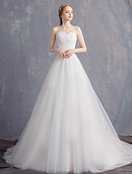 cheap -Princess Ball Gown Wedding Dresses Strapless Court Train Tulle Sleeveless Formal Romantic with Pleats 2021