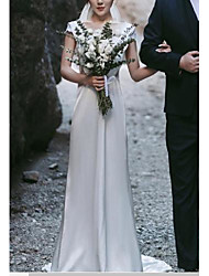 cheap -Sheath / Column Wedding Dresses V Neck Sweep / Brush Train Lace Italy Satin Cap Sleeve Romantic with Pleats Appliques 2021