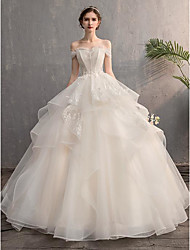 cheap -Ball Gown Wedding Dresses Off Shoulder Floor Length Lace Tulle Short Sleeve Country Formal Romantic with Beading Appliques Cascading Ruffles 2020