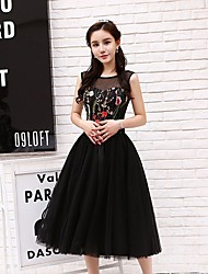 cheap -A-Line Little Black Dress Floral Homecoming Party Wear Dress Jewel Neck Sleeveless Tea Length Tulle with Embroidery 2021