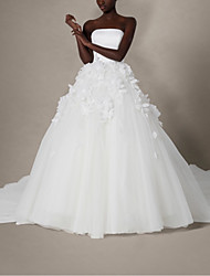 cheap -Ball Gown Wedding Dresses Strapless Chapel Train Lace Satin Tulle Sleeveless Formal with Appliques 2021