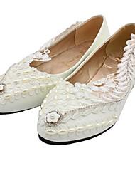 cheap -Women's Wedding Shoes Flat Heel Pointed Toe Wedding Flats Sweet Wedding PU Rhinestone Flower Solid Colored 3 cm heel [standard size] 5 cm heel [standard size] 8 cm heel [standard size]