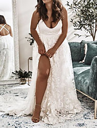 cheap -Sheath / Column Wedding Dresses V Neck Sweep / Brush Train Lace Stretch Fabric Sleeveless Country Romantic Beach Plus Size with Appliques Split Front 2021
