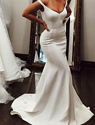 cheap -Mermaid / Trumpet Wedding Dresses V Neck Sweep / Brush Train Italy Satin Sleeveless Simple with 2021