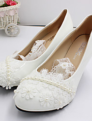 cheap -Women's Wedding Shoes Chunky Heel Round Toe Wedding Pumps Wedding Walking Shoes PU Pearl Lace Floral Same style with flat bottom [Shoe size is too small] 3 cm with the same style [standard shoe size
