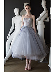 cheap -Ball Gown Elegant Vintage Graduation Engagement Dress Strapless Sleeveless Tea Length Tulle with Tier Appliques 2021