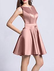 cheap -A-Line Minimalist Elegant Homecoming Cocktail Party Dress Jewel Neck Sleeveless Short / Mini Satin with Pleats 2021