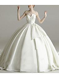 cheap -Princess Ball Gown Wedding Dresses Strapless Court Train Satin Sleeveless Formal Simple Luxurious with Buttons Pleats 2021