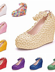 cheap -Women's Wedding Shoes Wedge Heel Round Toe Wedding Pumps Vintage Sexy Minimalism Wedding Party & Evening PU Pearl Buckle Lace Solid Colored White Purple Yellow