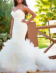cheap -Mermaid / Trumpet Wedding Dresses Strapless Court Train Tulle Italy Satin Sleeveless Romantic Luxurious with Ruched Cascading Ruffles 2021