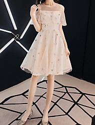 cheap -A-Line Glittering Beautiful Back Wedding Guest Prom Dress Illusion Neck Short Sleeve Short / Mini Tulle with Ruffles Embroidery 2021