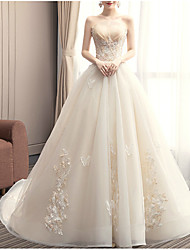 cheap -Princess Ball Gown Wedding Dresses Strapless Chapel Train Lace Tulle Sleeveless Formal Romantic with Beading Sequin Appliques 2021