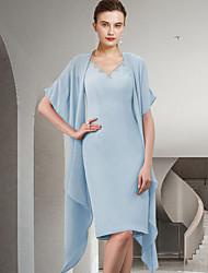 cheap -Two Piece Sheath / Column Mother of the Bride Dress Elegant V Neck Knee Length Chiffon Sleeveless with Beading 2021