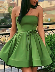 cheap -A-Line Minimalist Sexy Homecoming Cocktail Party Dress Strapless Sleeveless Short / Mini Satin with Pleats 2021