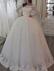 cheap -Princess Ball Gown Wedding Dresses Jewel Neck Sweep / Brush Train Lace Tulle Long Sleeve Formal Romantic Luxurious with Pleats Appliques 2021