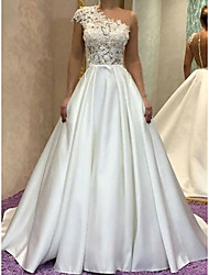 cheap -Princess Ball Gown Wedding Dresses One Shoulder Court Train Lace Satin Short Sleeve Formal Romantic with Bow(s) Pleats Appliques 2021