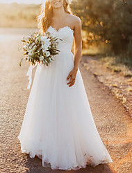 cheap -A-Line Wedding Dresses Strapless Sweep / Brush Train Lace Tulle Sleeveless Romantic Beach with Appliques 2021