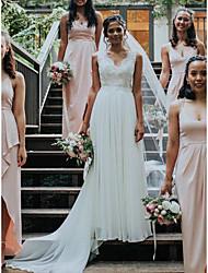 cheap -Sheath / Column Wedding Dresses V Neck Court Train Chiffon Lace Sleeveless Romantic Beach with Pleats Appliques 2021