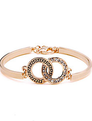 cheap -Women's Bracelet Hollow Out Vintage Theme Fashion Vintage Rhinestone Bracelet Jewelry Rose Gold For Christmas Wedding Party Evening Gift Date / Rose Gold Plated