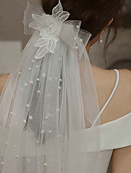 cheap -Two-tier Cute Wedding Veil Shoulder Veils with Faux Pearl / Satin Bow 15.75 in (40cm) Lace / Tulle