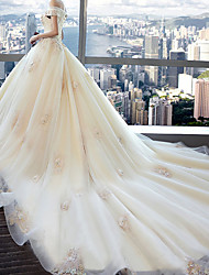 cheap -Ball Gown Wedding Dresses Off Shoulder Watteau Train Lace Tulle Short Sleeve Formal Romantic Wedding Dress in Color Plus Size with Lace Pearls Lace Insert 2021