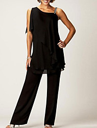 cheap -Pantsuit / Jumpsuit Mother of the Bride Dress Sexy Bateau Neck Floor Length Chiffon Sleeveless with Buttons 2021