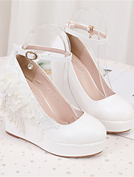 cheap -Women's Wedding Shoes Wedge Heel Round Toe Wedding Pumps PU Pearl Buckle Lace Solid Colored White