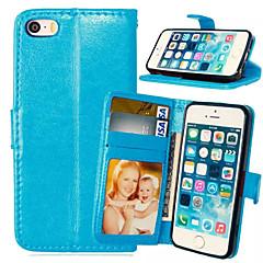 ราคาถูก -Case สำหรับ โทรศัพท์ iPhone 5 / Apple iPhone SE / 5s / iPhone 5 Wallet / Card Holder / with Stand ตัวกระเป๋าเต็ม สีพื้น Hard หนัง PU