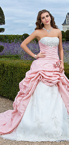 cheap -Ball Gown Vintage Inspired Quinceanera Prom Formal Evening Dress Strapless Sleeveless Court Train Organza Taffeta with Pick Up Skirt Criss Cross Beading 2020 / Embroidery