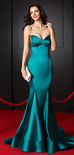 cheap -Mermaid / Trumpet Celebrity Style Formal Evening Dress Sweetheart Neckline Sleeveless Court Train Stretch Satin with Pleats 2020