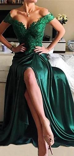 billige -A-linje Elegant Grøn Skolebal Formel aften Kjole Skulderfri Kortærmet Børsteslæb Blondelukning Satin med Split Applikeret broderi 2020