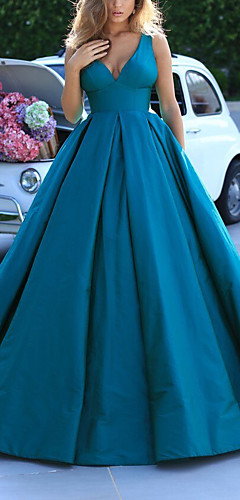 cheap -Ball Gown Elegant Minimalist Quinceanera Prom Dress V Neck Sleeveless Sweep / Brush Train Satin with Pleats 2020