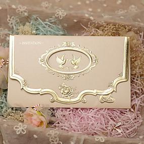 billige Festsuvenirer og gaver-Tre Fold Bryllupsinvitasjoner 50 - Invitasjonskort Klassisk Stil Perle-papir 7.2*5 tommer (ca. 18*13cm)