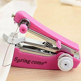 ieftine Noua Colecție-1 buc portabil mini mașină manuală de cusut operație simplă unelte de cusut stofa de țesătură țesătură manuală de lucru instrument de ac pentru lyq