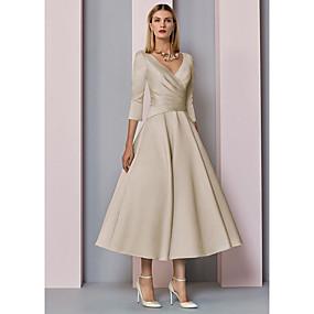 billige Daily Deals-A-linje Kjole til brudens mor Elegant Vintage Plusstørrelse V-hals Te-længde Satin 3/4-ærmer med Plissé 2020