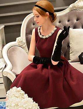 preiswerte Mode für Sie & Ihn-Damen Ausgehen Retro / Anspruchsvoll Hülle / Das kleine Schwarze / Skater Kleid - Perlenbesetzt / Mehrschichtig / Gefaltet, Solide Knielang
