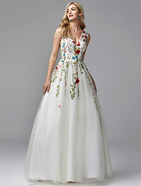 cheap The Wedding Store-A-Line Floral White Quinceanera Formal Evening Dress V Neck Sleeveless Floor Length Lace Tulle with Embroidery Appliques 2020