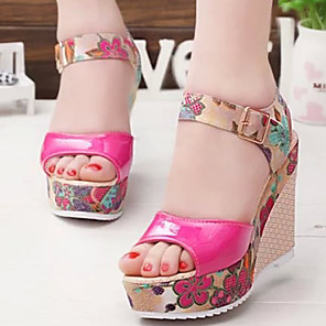 cheap Women's Sandals-Women's Sandals Wedge Sandals Spring / Summer Wedge Heel Peep Toe Comfort Outdoor Office & Career Buckle Floral Faux Leather White / Fuchsia / Blue / EU39