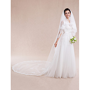 cheap Wedding Veils-Two-tier Lace Applique Edge Wedding Veil Cathedral Veils with 157.48 in (400cm) Lace