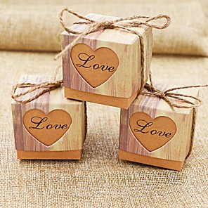 cheap Historical & Vintage Costumes-Round / Square / Cubic Card Paper Favor Holder with Heart Design / Printing Favor Boxes - 50