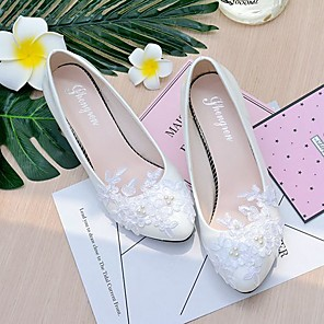 cheap Wedding Shoes-Women's Wedding Shoes Glitter Crystal Sequined Jeweled Spring / Fall Cone Heel / Low Heel Pointed Toe / Round Toe Basic Wedding Imitation Pearl / Lace / Flower Solid Colored Lace / Leatherette White